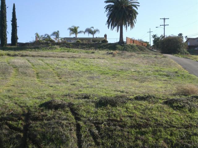 12225 Rockcrest Rd, Lakeside, CA 92040