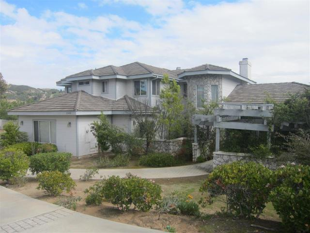 3069 Palm Hill Dr, Vista, CA 92084