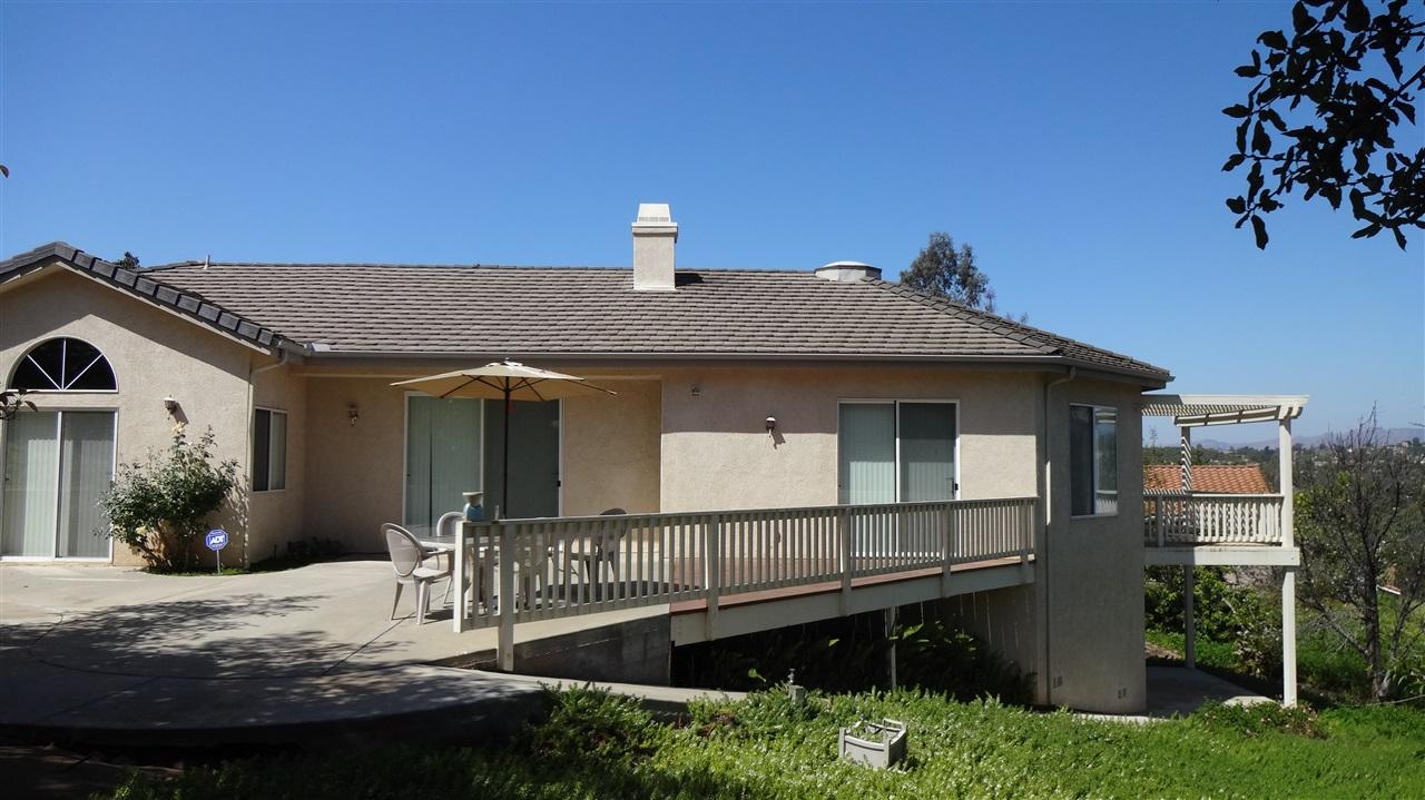 2212 Crest Hill Ln, Fallbrook, CA