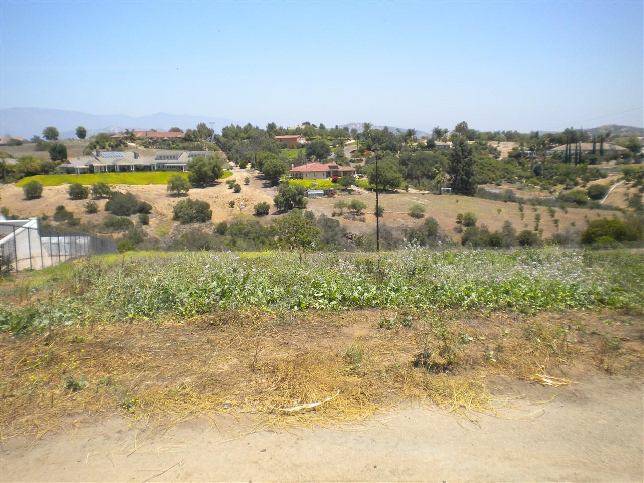 Via Rancheros Way #70, Fallbrook, CA 92028