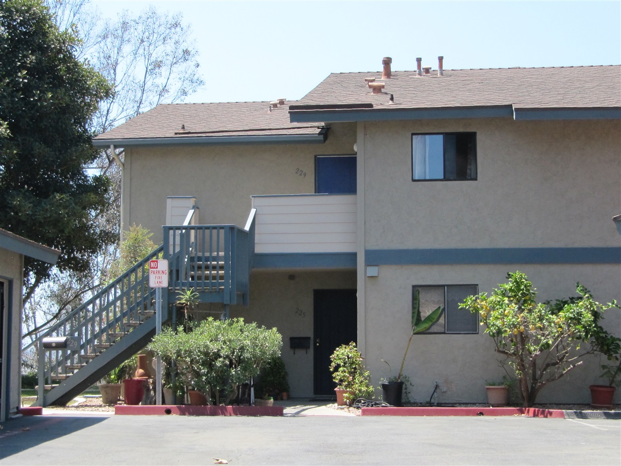 229 Stage Coach Rd, Oceanside, CA