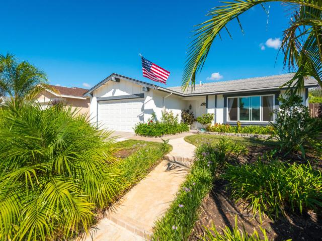 11357 Linares, San Diego, CA 92129