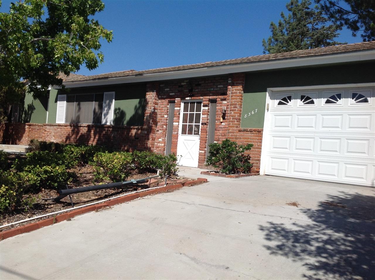 8367 Merrill Dr, Lakeside, CA