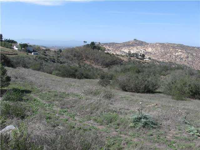 639 N View Lane #1, Escondido, CA 92026