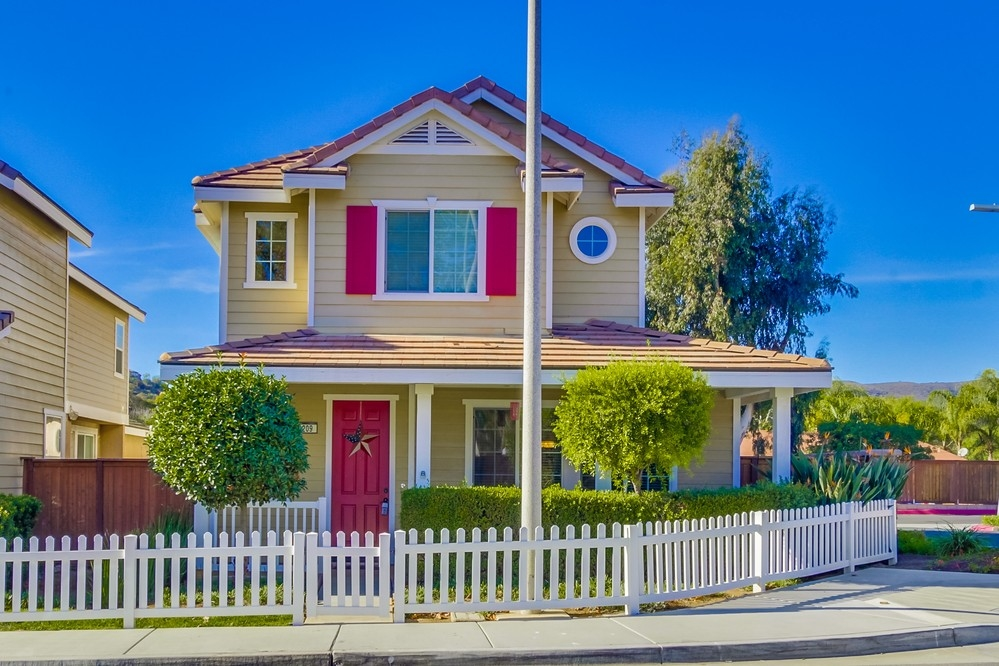 209 Vineyard Ct, San Marcos, CA
