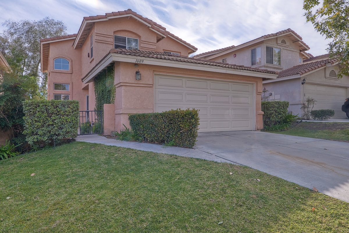 1609 Wesley Way, Vista, CA