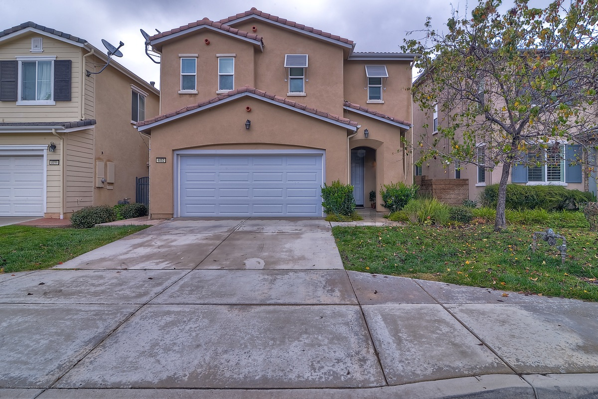 4053 Lake Circle Dr, Fallbrook, CA