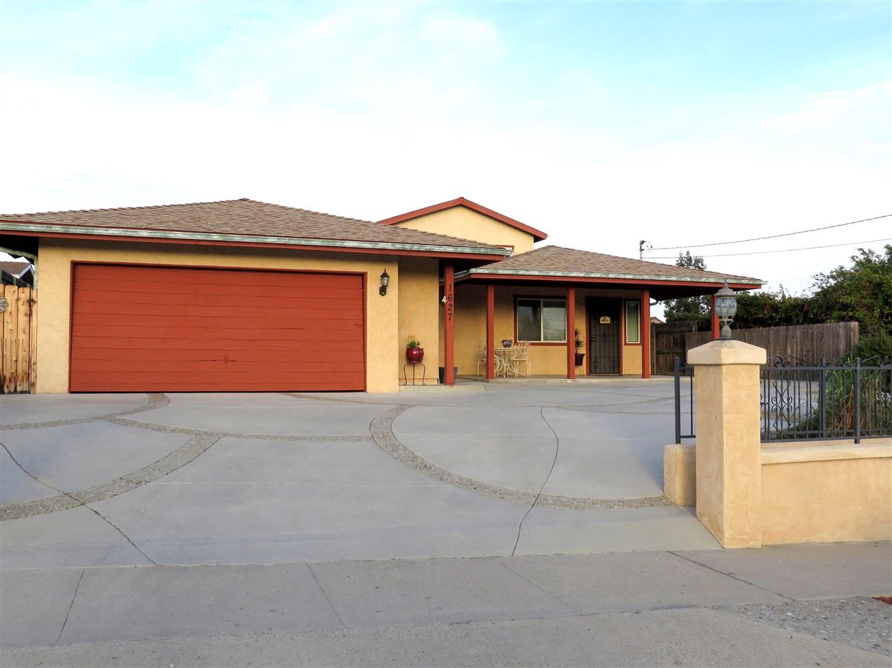 1627 Manor Dr, Vista, CA