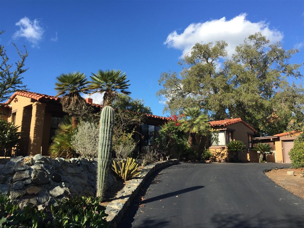 1402 Park Hill Ln, Escondido, CA