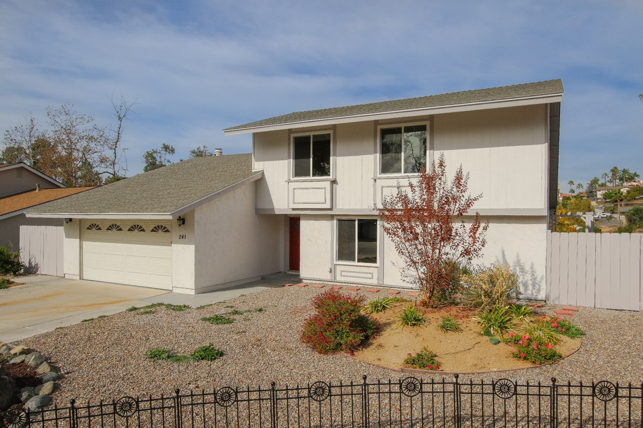 241 Blockton Rd, Vista, CA