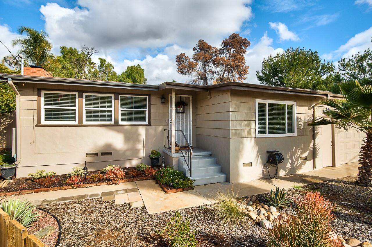 9205 Emerald Grv, Lakeside, CA