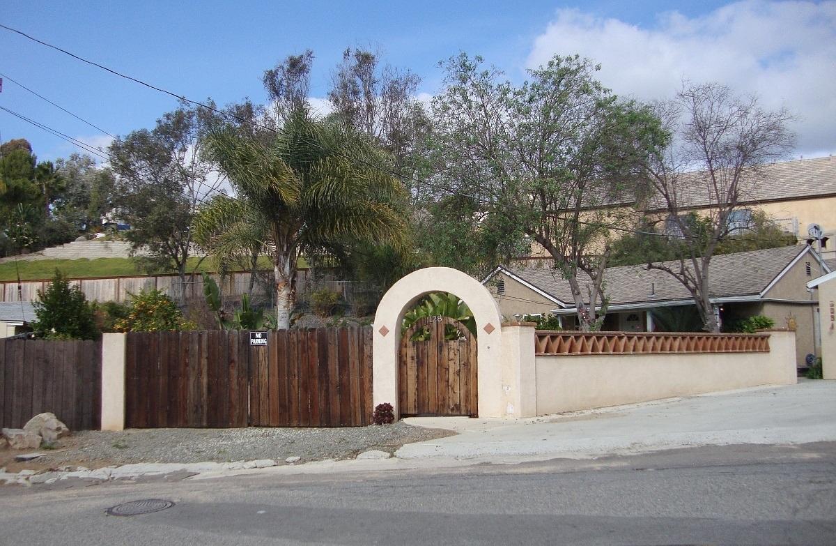 128 Terrace Dr, Vista, CA