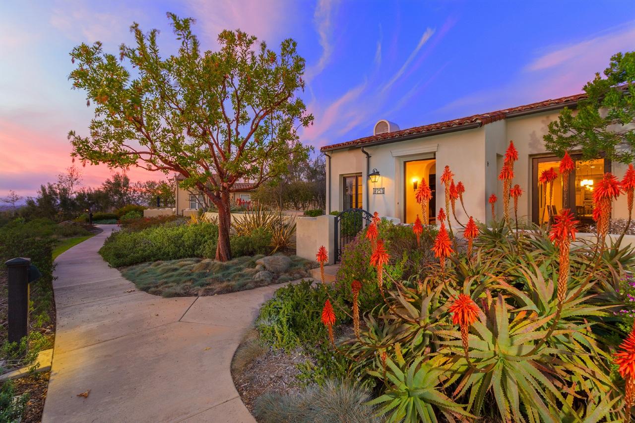 8251 Santaluz Village Grn, San Diego, CA