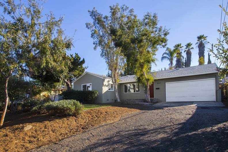 2027 Mountain View Dr, Escondido, CA