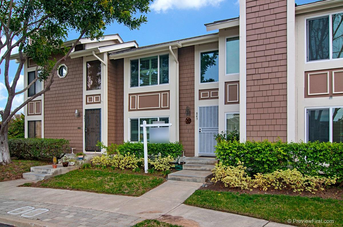 843 Mistletoe Ln, Carlsbad, CA
