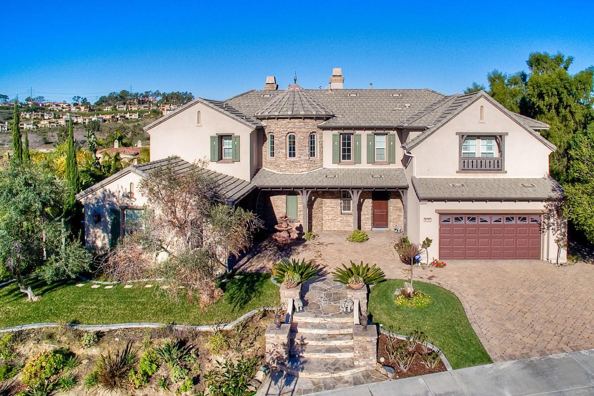 6823 Helenite, Carlsbad, CA