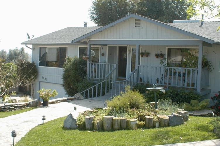 1221 W 12th Ave, Escondido, CA