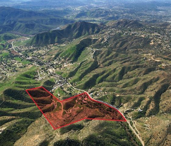 1455 Harbison Canyon Rd, El Cajon, CA 92019
