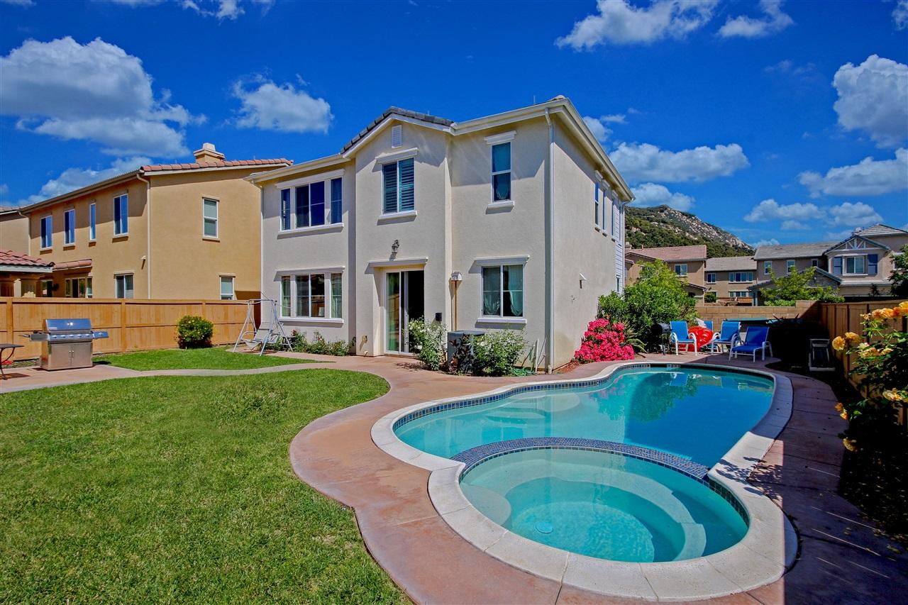 3733 Lake Park Rd, Fallbrook, CA