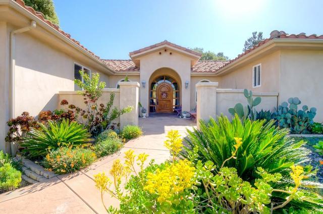 28059 Oak Ranch Rd, Escondido, CA 92026