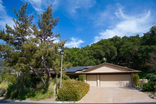 32229 Paauwe Dr, Pauma Valley, CA 92061