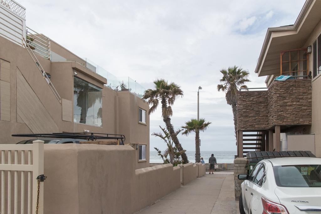711 Island Ct #APT 2, San Diego CA 92109