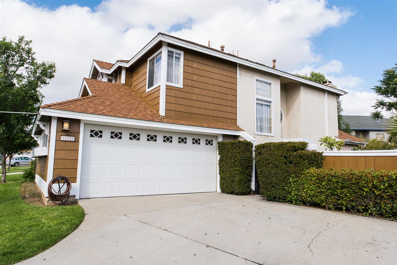 10249 New Bedford Ct, Lakeside, CA