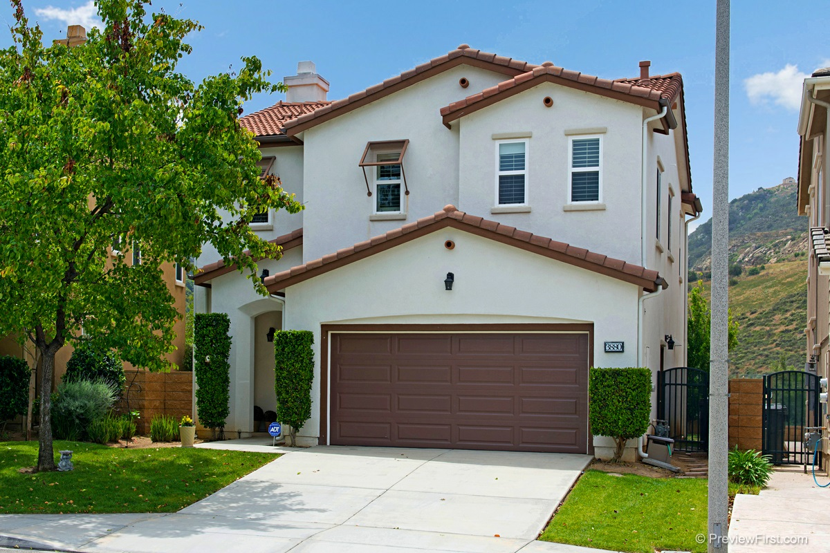 3880 Lake Circle Dr, Fallbrook, CA