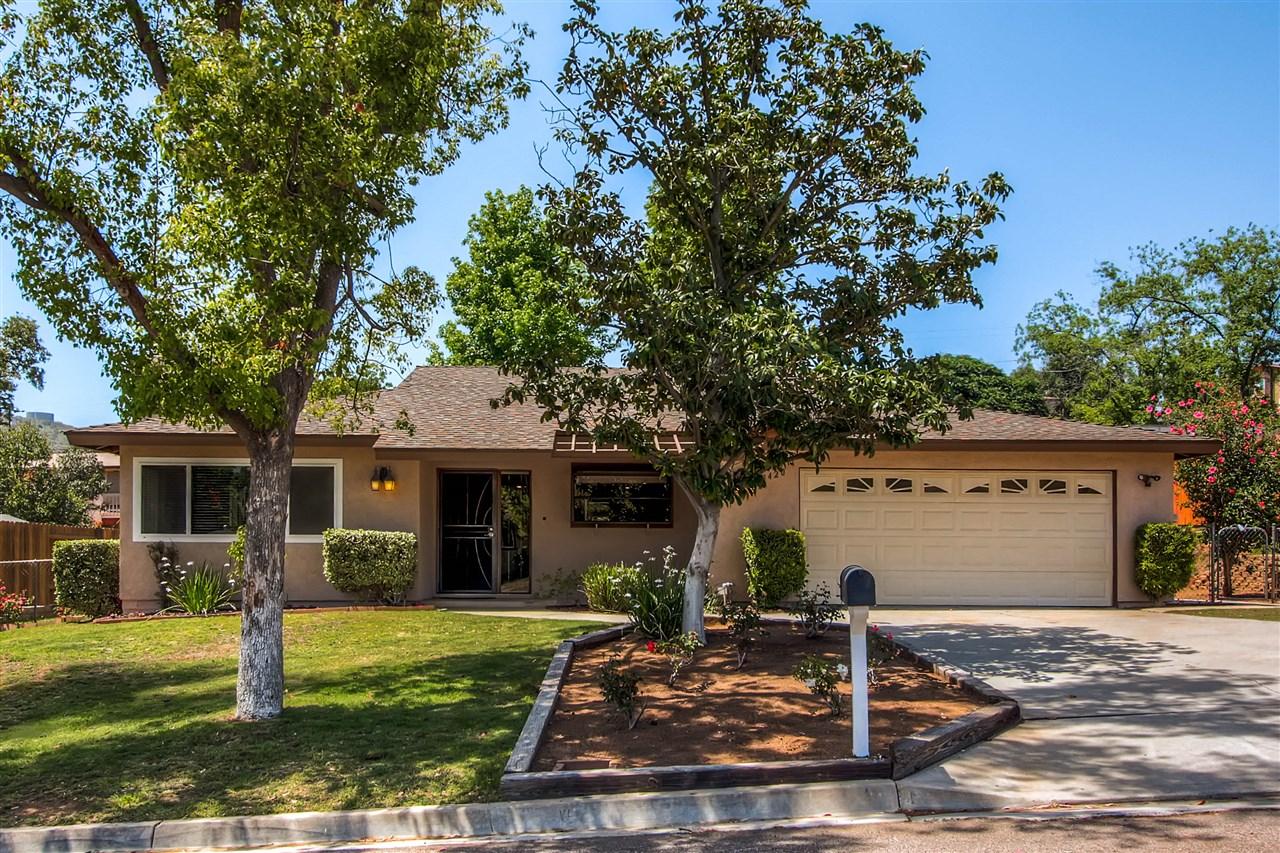 8420 Protea Dr, Lakeside, CA