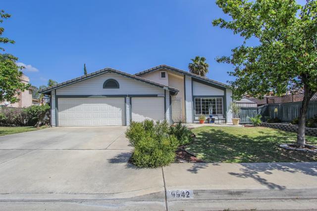 9942 Theresa Ln, Santee, CA