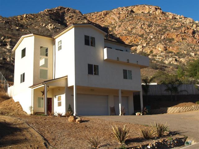 139 Harbison Cyn, El Cajon, CA