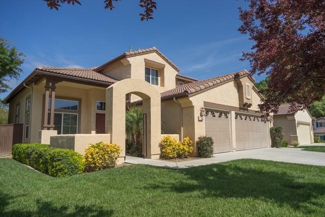 137 Willow Grove Pl, Escondido, CA