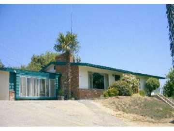 1837 Montgomery Dr, Vista, CA 92084