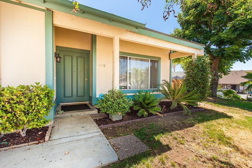 10907 Crystal Springs Road, Santee, CA 92071