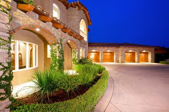29302 Meadow Glen Way, Escondido, CA