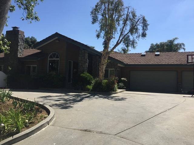 28332 Crooked Oak Ln, Escondido, CA