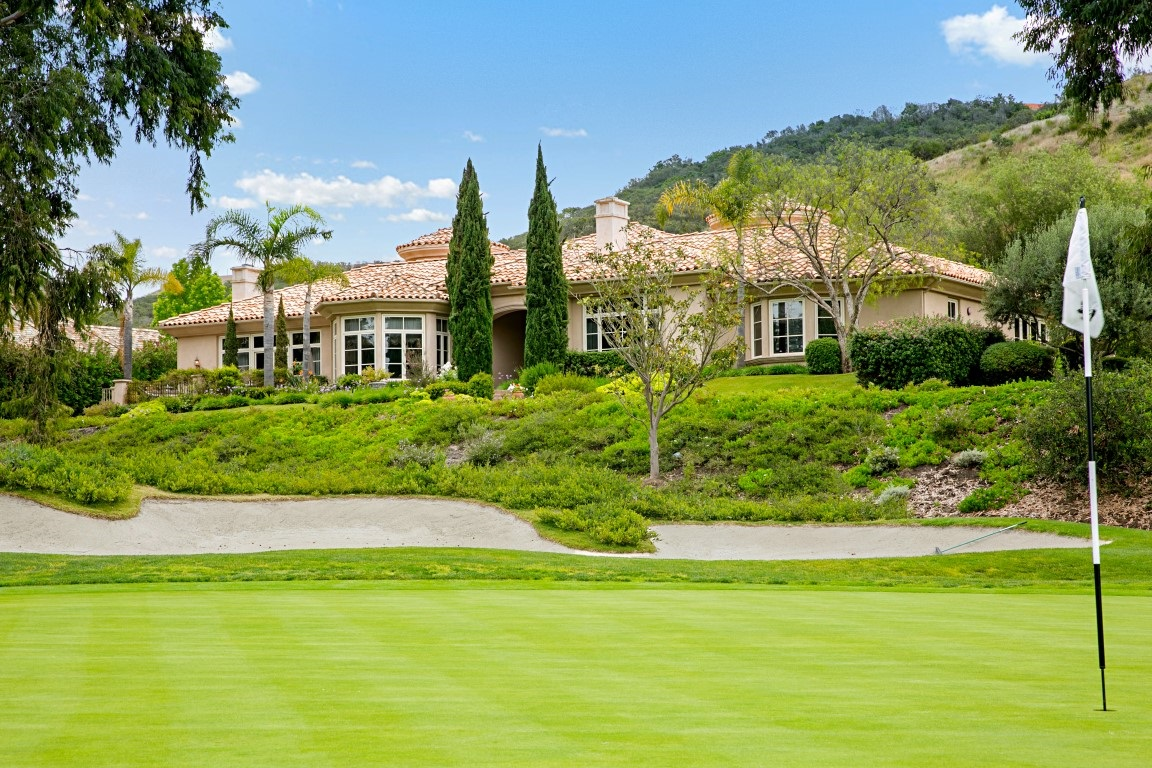 6311 Clubhouse Dr, Rancho Santa Fe, CA 92067