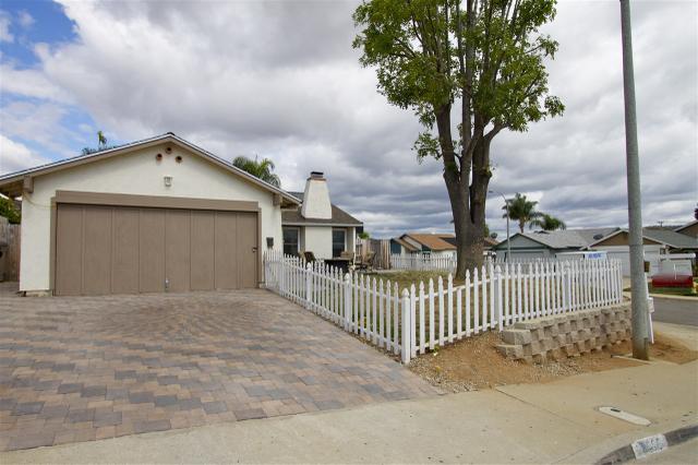 10305 Aquilla Dr, Lakeside, CA