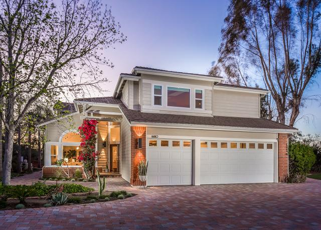 1680 Meadowglen Ln, Encinitas, CA