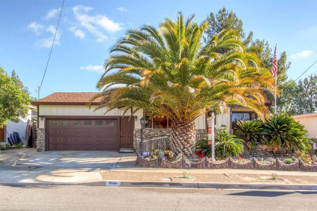 9535 Lakeview Dr, La Mesa, CA