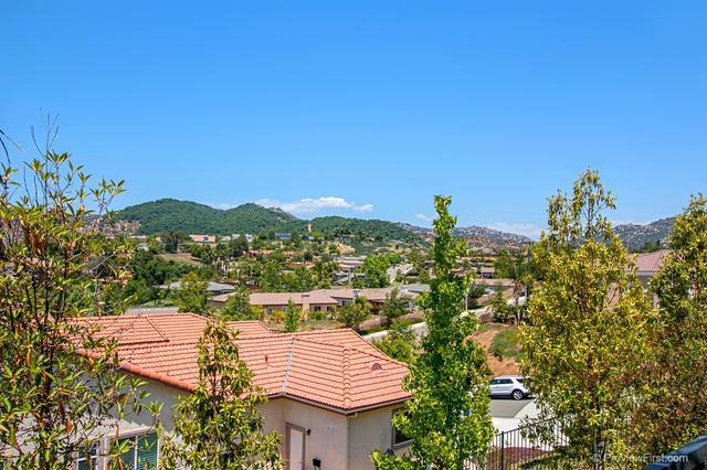 908 Bellagio Rd, Escondido, CA