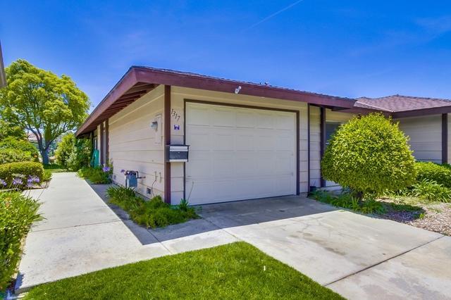 1317 El Corral, San Marcos, CA 92078
