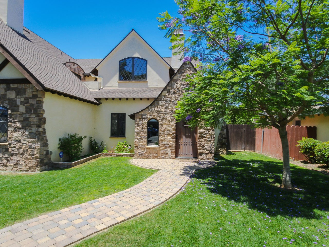 550 Country Club Lane, Coronado, CA 92118