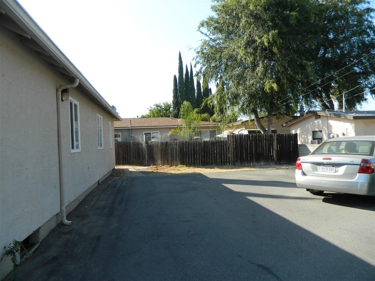 918 W 11th Avenue, Escondido, CA 92025