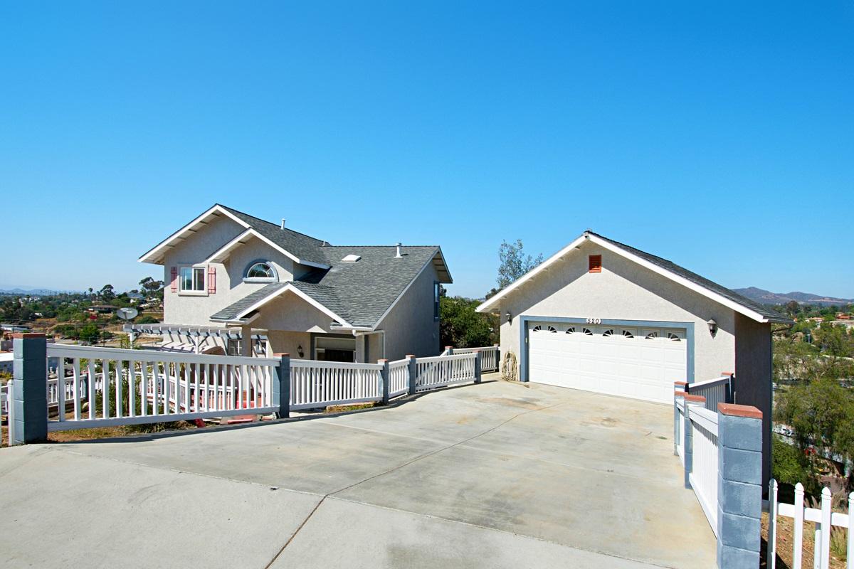 520 Lado De Loma, Vista, CA 92083