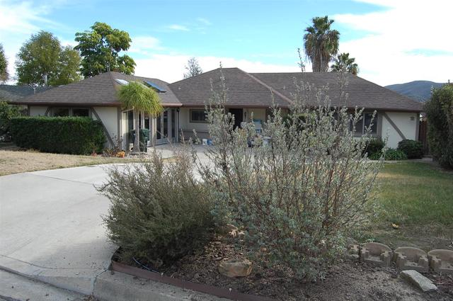 957 W Ranch Rd, San Marcos, CA 92078