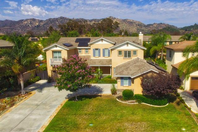 2450 Pine Valley Gln, Escondido, CA 92026