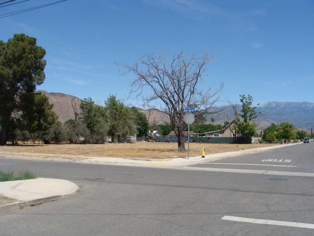 185 S Jordan Ave #14, San Jacinto, CA 92583