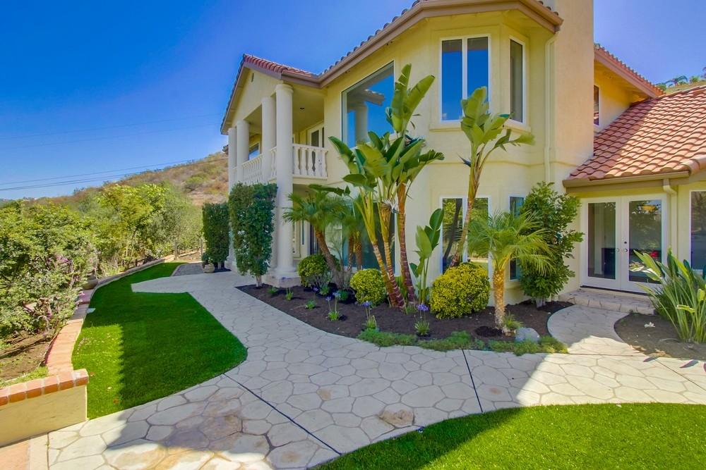 29445 Costalota, Valley Center, CA 92082