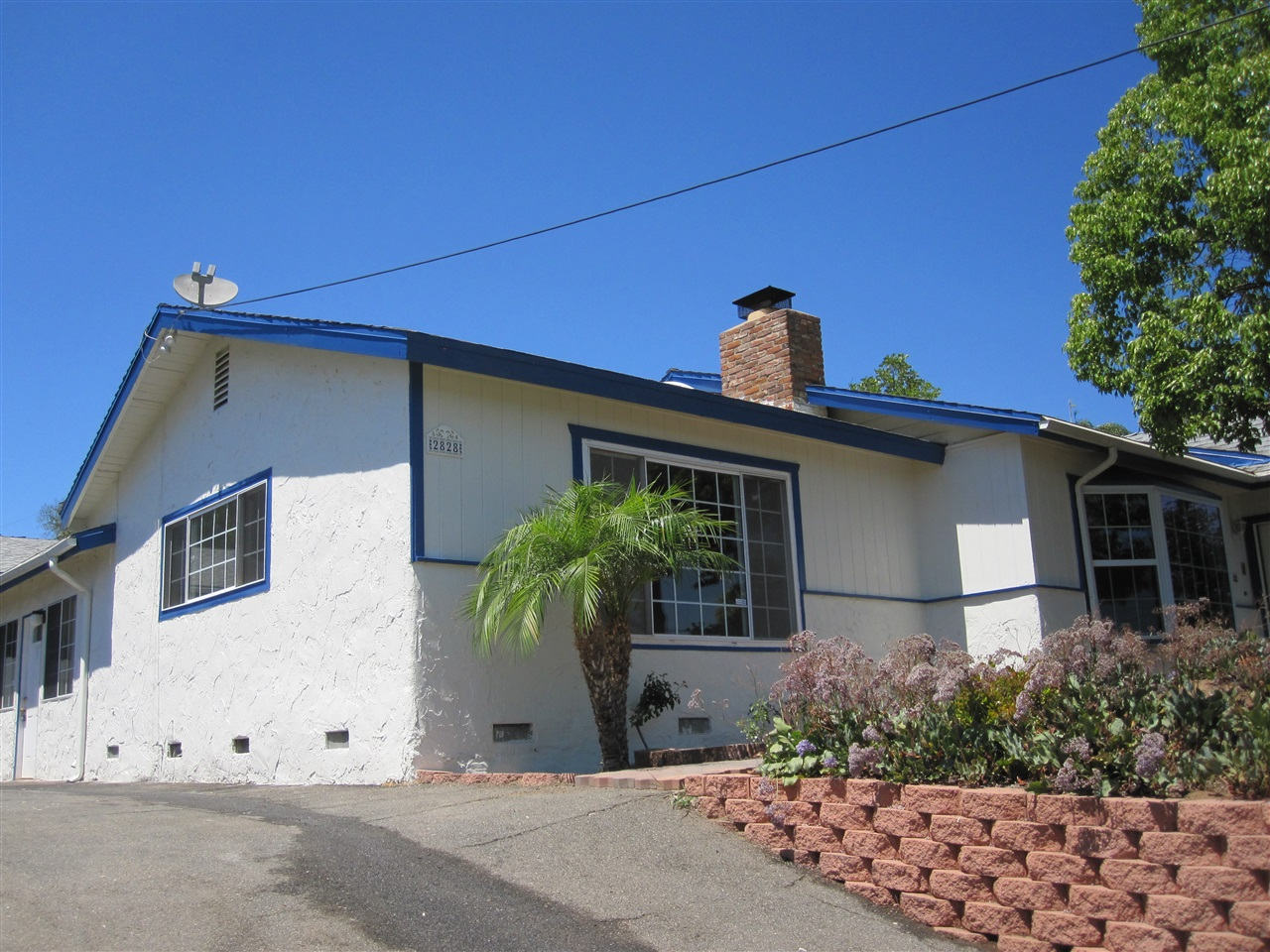 2828 Oak Hill Drive, Escondido, CA 92027